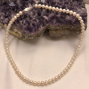 Jewelry - Gorgeous Silvery White Pearl Necklace